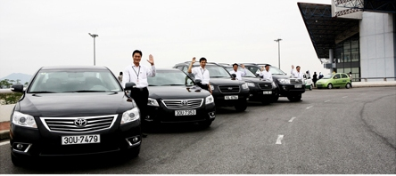Airport transfer by Danang Private Taxi