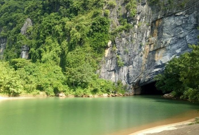 Hue to Phong Nha by Luxury Car