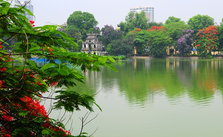 Private taxi transfers from Hanoi