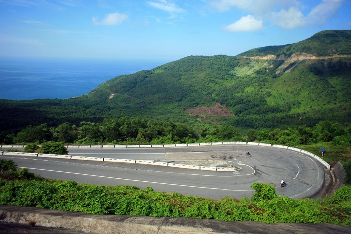Danang to Hue by Private Car